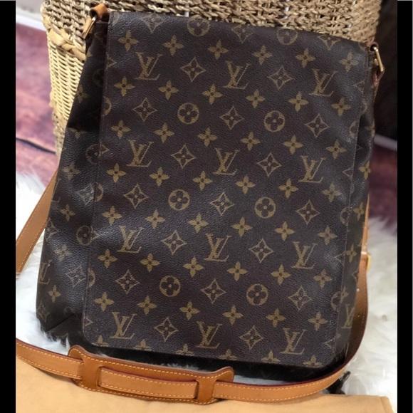 4a09c4427fe9 Louis Vuitton Handbags - Louis Vuitton Musette Salsa GM Crossbody Bag